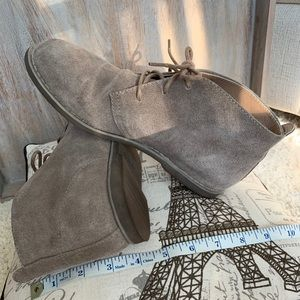 Bass Shoes - BASS ankle booties Sise 6.5  light brown suede